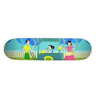 Skate retro do suporte de limonada das crianças