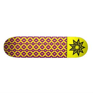 Skate Roxo-Amarelo do teste padrão de Zerodraline