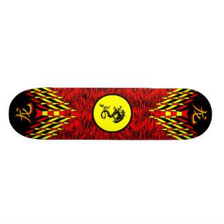 Skate vermelho do dragão do tigre