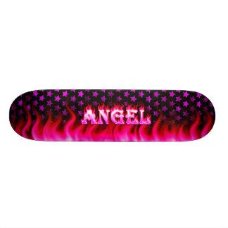 Skateboard. cor-de-rosa de Skatersollie do fogo do