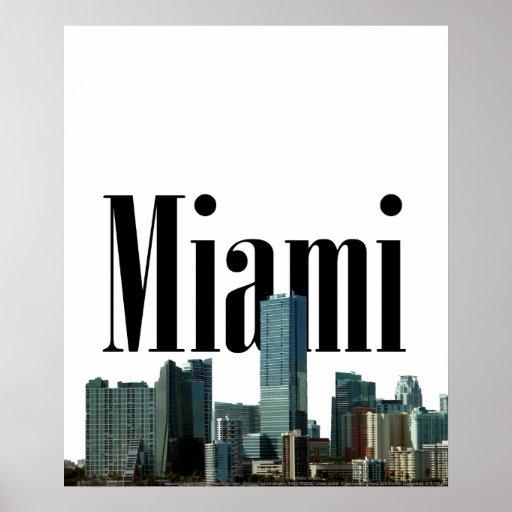 Skyline de Miami com o Miami no poster do céu
