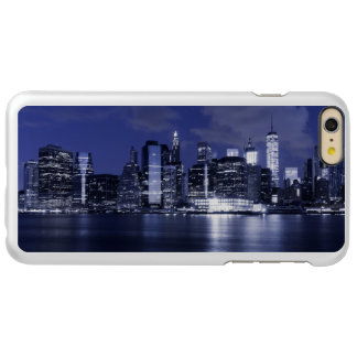 Skyline de New York banhada no azul Capa Incipio Feather® Shine Para iPhone 6 Plus