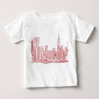 Skyline de New York rosa vermelha Camisetas