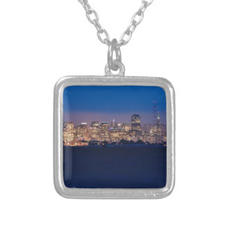 Skyline de San Francisco no crepúsculo Colar Banhado A Prata