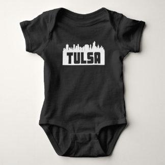 Skyline de Tulsa Oklahoma Body Para Bebê