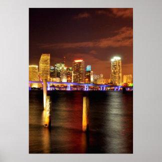 Skyline na noite, Florida de Miami Pôster