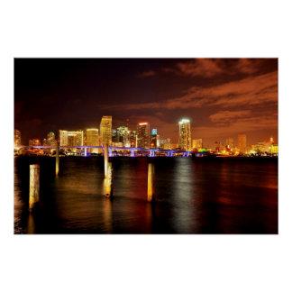 Skyline na noite, Florida de Miami Poster Perfeito