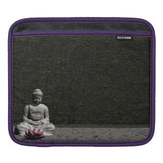 Sleeve Para iPad Buddha na sala cinzenta - 3D rendem