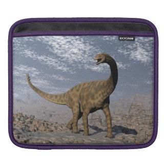 Sleeve Para iPad Dinossauro de Spinophorosaurus que anda no deserto