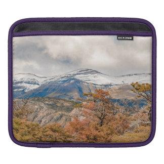 Sleeve Para iPad Floresta e montanhas nevado, Patagonia, Argentina