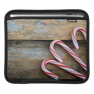 Sleeve Para iPad Madeira rústica com os bastões de doces do Natal