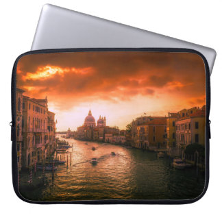 Sleeve Para Laptop Canal histórico bonito de Veneza, Italia
