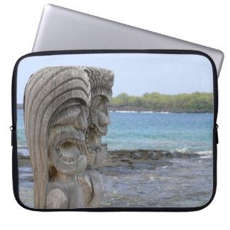 Sleeve Para Laptop Guardiães de Tiki em Kona, Havaí