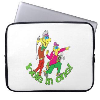 Sleeve Para Laptop Jogador de golfe que obtem um furo em um