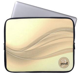 Sleeve Para Laptop Monograma moderno das ondas do caramelo leitoso