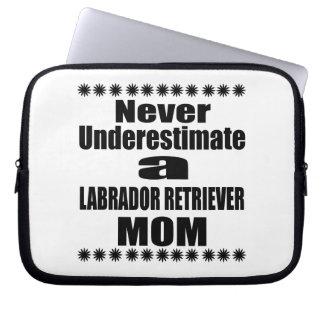 Sleeve Para Laptop Nunca subestime a mamã de LABRADOR RETRIEVER