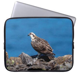 Sleeve Para Laptop Osprey nas rochas