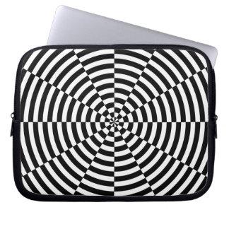 Sleeve Para Laptop Radiação preta & branca por Kenneth Yoncich