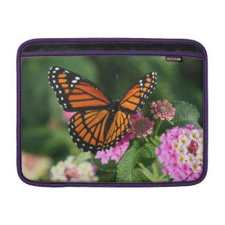 Sleeve Para MacBook Air Borboleta bonita na flor do Lantana
