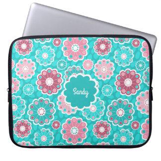 Sleeve Para Notebook Divertimento e monograma floral funky do rosa e do