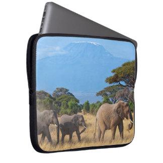 Sleeve Para Notebook Elefantes do Monte Kilimanjaro