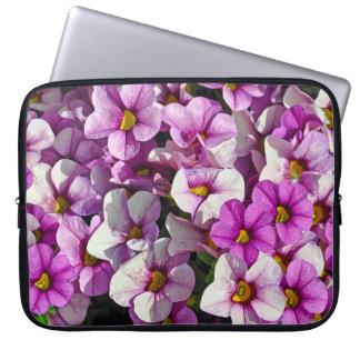 Sleeve Para Notebook Petúnias cor-de-rosa e roxos