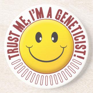 Smiley da confiança do geneticista porta copos de arenito