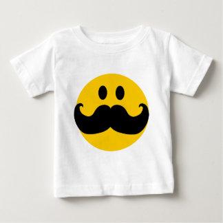 Smiley do bigode (cor customizável do fundo) tshirts