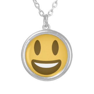 Smiley emoji colar banhado a prata