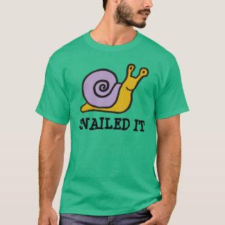 Snailed ele camisa