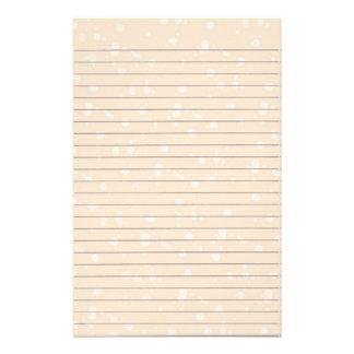 Snowball de creme artigos de papelaria alinhados