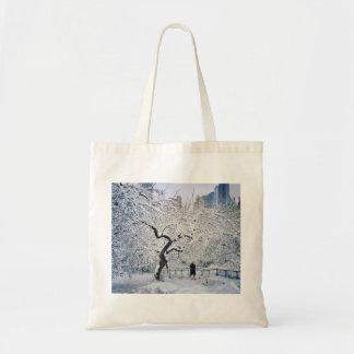 Sob o cobrir da neve bolsa tote