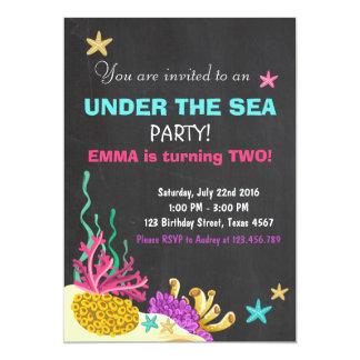 Sob o convite do aniversário do recife de corais