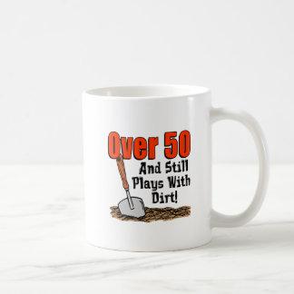 Sobre 50 ainda joga com caneca da sujeira