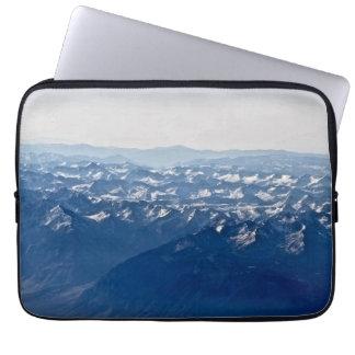 sobre as montanhas capa para notebook