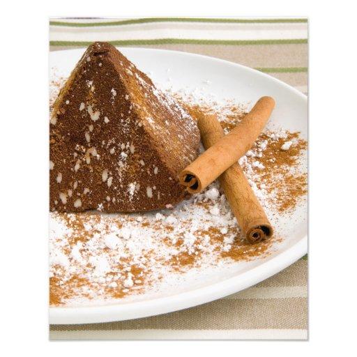 Sobremesa do bolo de chocolate da canela fotografias