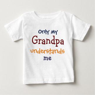 Somente meu vovô compreende-me o t-shirt da camiseta para bebê