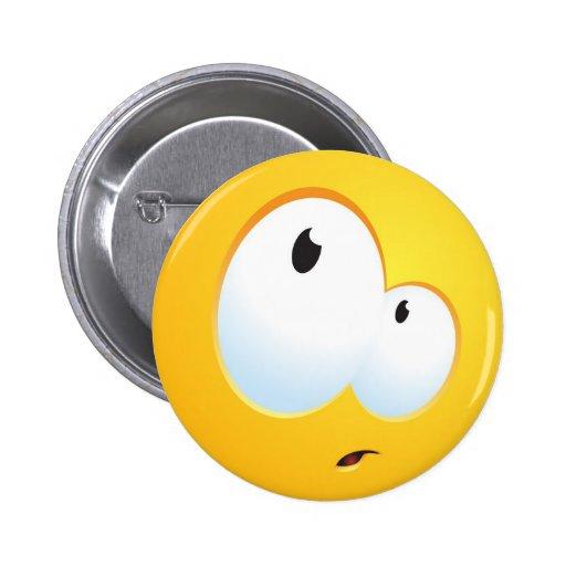 Sorriso confuso boton