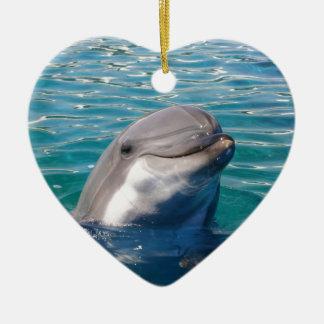 Sorriso do golfinho ornamento de cerâmica coração