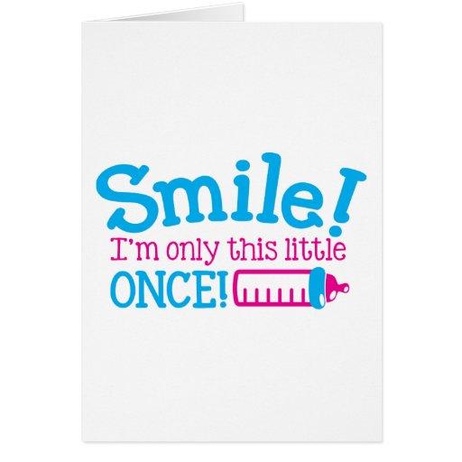 Sorriso recém-nascido do BEBÊ eu sou somente este  Cartao