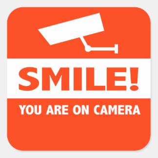 Sorriso você está na câmera adesivo quadrado