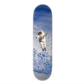 Spacewalk do astronauta shape de skate 21,6cm