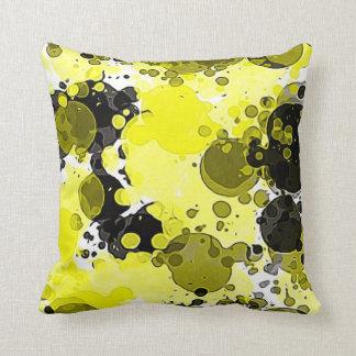 Splatter amarelo e preto abstrato moderno da almofada