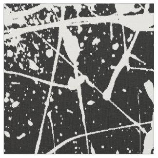 Splatter branco no tecido preto