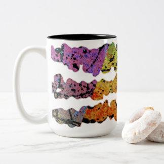 Splatters de inclinação caneca de café em dois tons