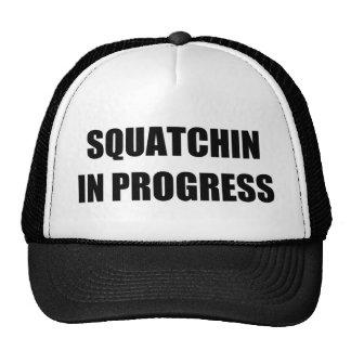 Squatchin em andamento boné