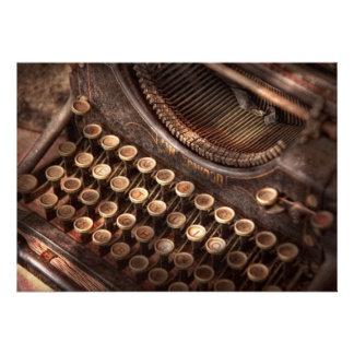 Steampunk - máquina de escrever - tuckered demasia convites personalizados