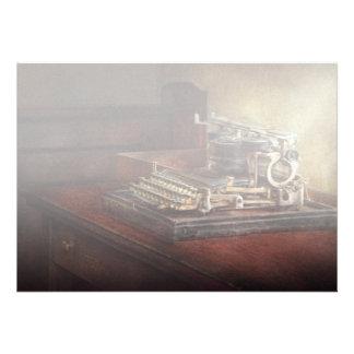 Steampunk - uma máquina de escrever velha dura convites