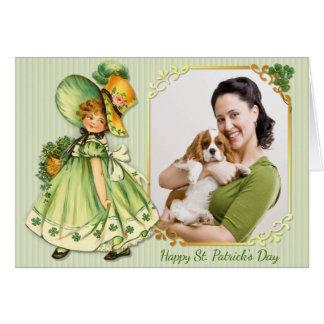 Stroll irlandês do trevo - personalize cartão comemorativo