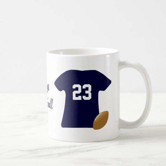 Sua camisa do futebol com bola caneca de café